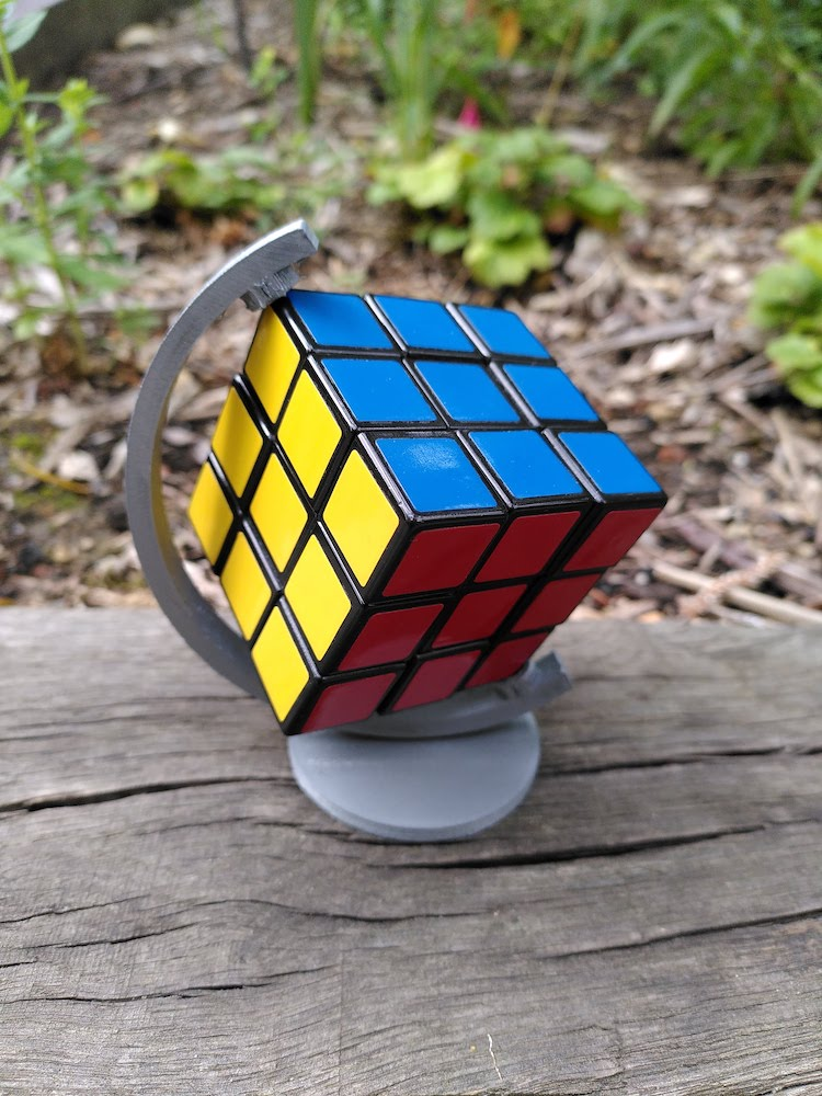 rubiksCubeOnGlobStand